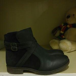 Rebels boots